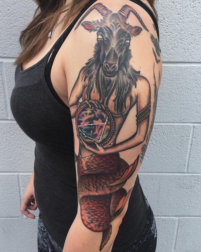 , Tatouage Capricorne: l'histoire du symbole, la signification, les idées de croquis, les photos   (En images)