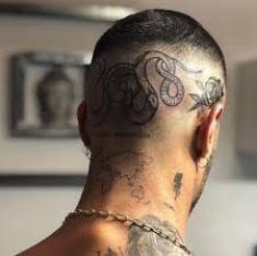 , Tatouage caché sous les cheveux: le guide  (En images)