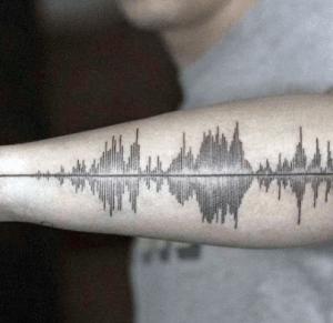 tatouage d'onde sonore