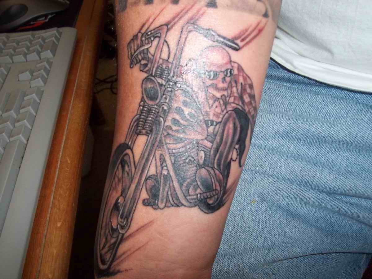 Motoblogn The I Want A Skeleton Riding A Motorcycle Ideas And Designs