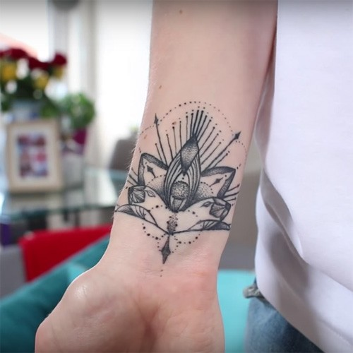 Victoria Magrath S 6 Tattoos Meanings Steal Her Style Ideas And Designs