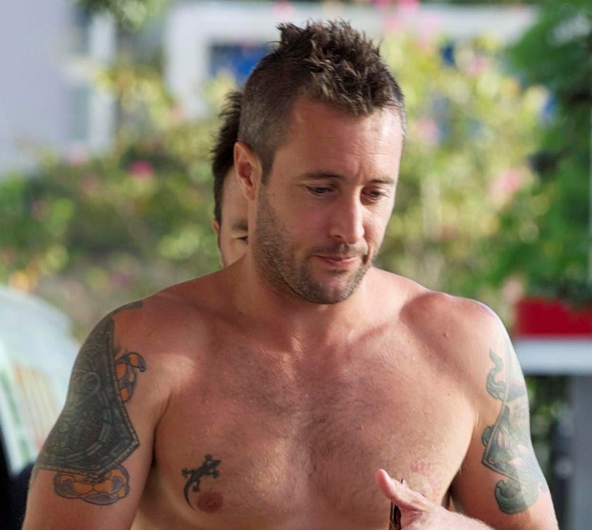 Alex O'loughlin Rocking The Buzz Cut Over The Years Ideas And Designs