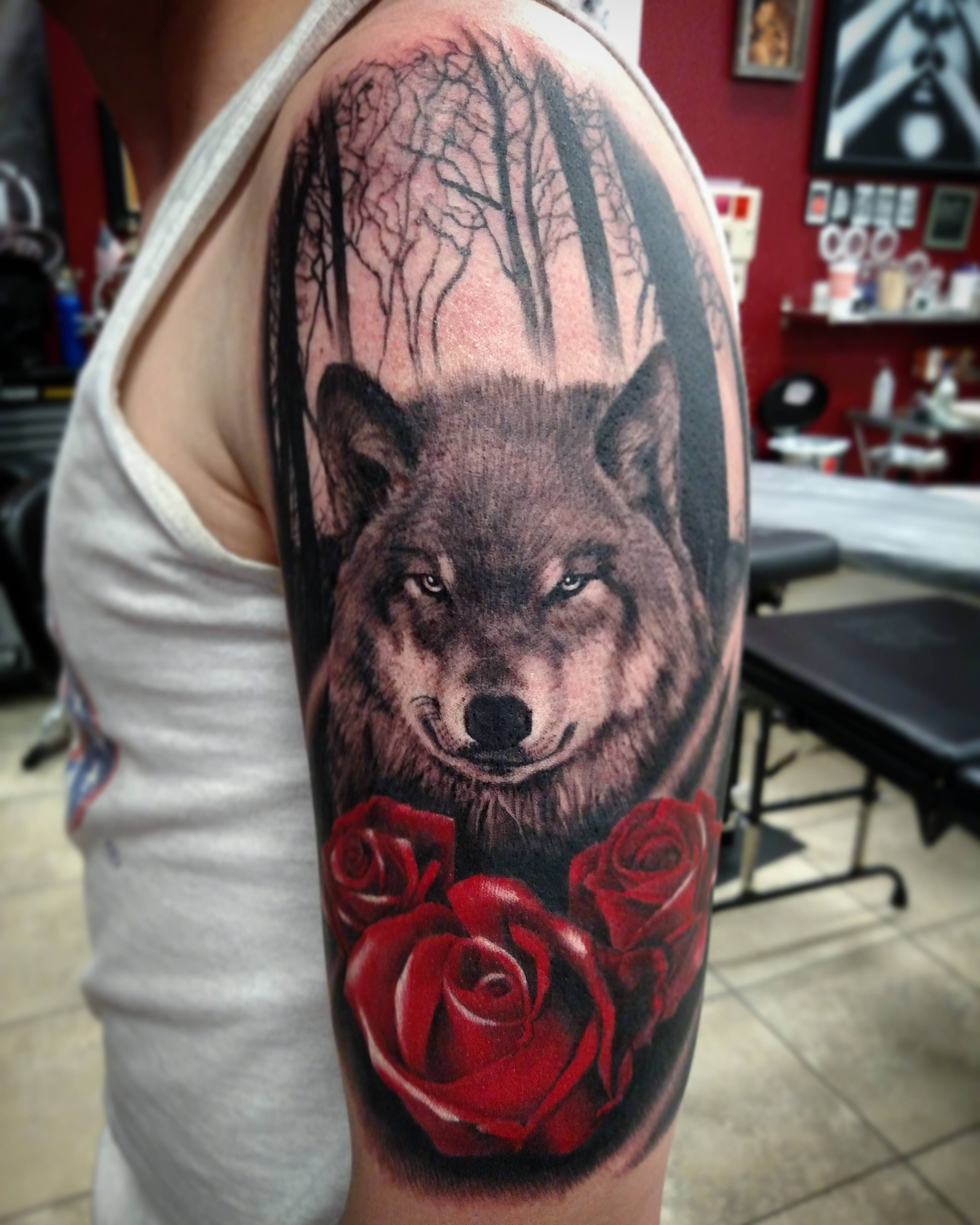 Wolf And Roses On First Timer Done By Tyler Turnbull Ideas And Designs