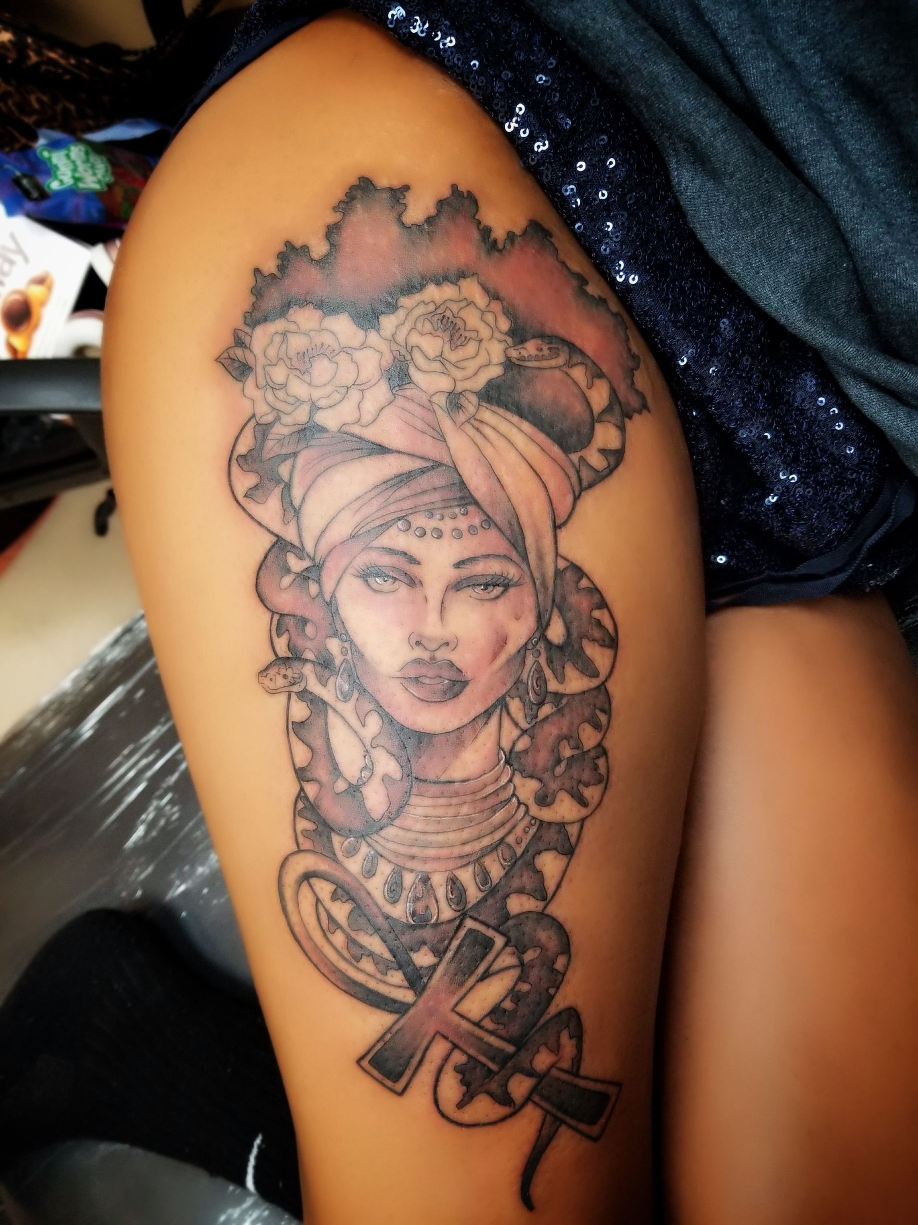 Afrocentric Inspired Medusa Thigh Tattoo Tattoo Ideas And Designs