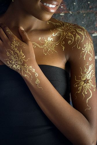 Gold Henna Detail The Rebel Lyfe Gold Henna Gold Ideas And Designs