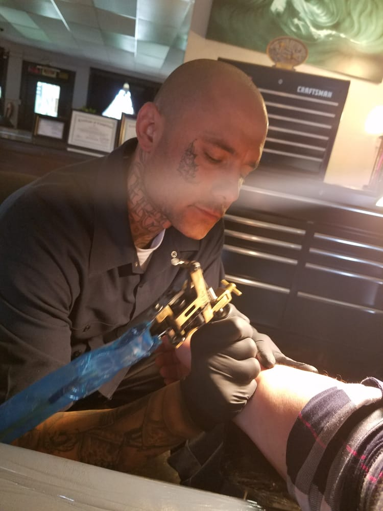 Living Canvas Tattooing Body Piercing Studio Piercing 800 E 6Th St Beaumont Ca Phone Ideas And Designs