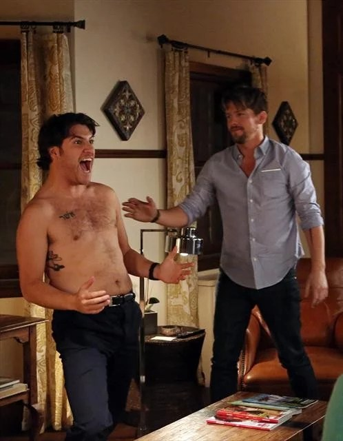 Happy Endings Shirtless Tv Moments Of 2013 Popsugar Ideas And Designs