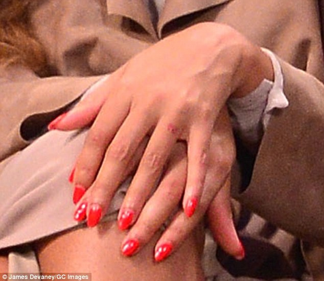 Beyonce S Faded Wedding Ring Tattoo Fuels Laser Removal Ideas And Designs