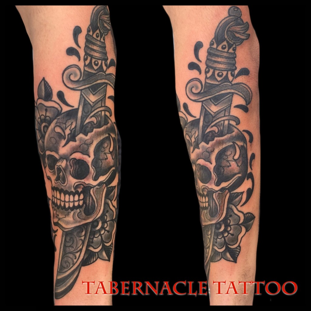 Traditional Skull And Dagger Tattoo – Tabernacle Tattoo Ideas And Designs