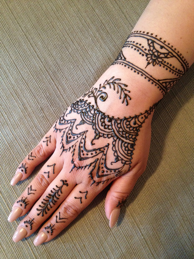 Henna Tattoos Face Painter Balloon Artist Bergen Ideas And Designs