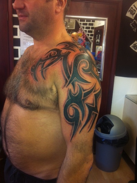 Shoulder Shading Tribal Madhouse Tattoo Shops Ideas And Designs