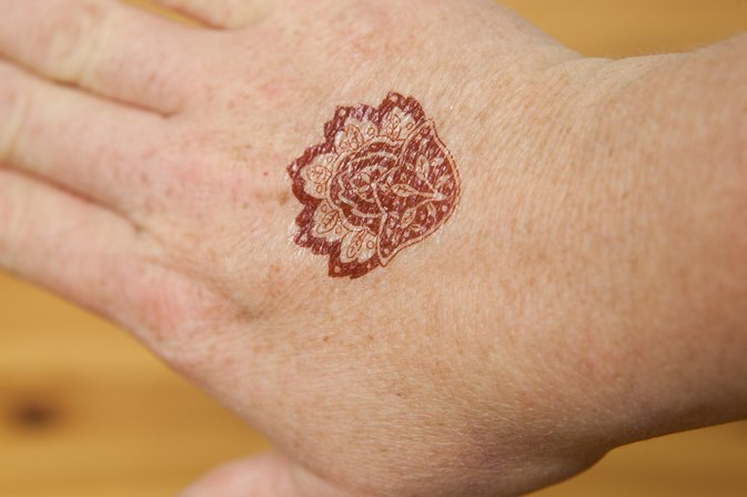 How To Remove Henna Tattoo Ink Livestrong Com Ideas And Designs
