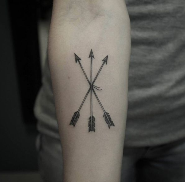 60 Must See Tattoos For Woman Considering Ink Arrow Ideas And Designs