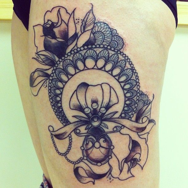 Art Deco Tattoo Google Search Tattoos Parlors Ideas And Designs