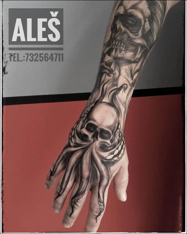 octopus blackwork tattoos