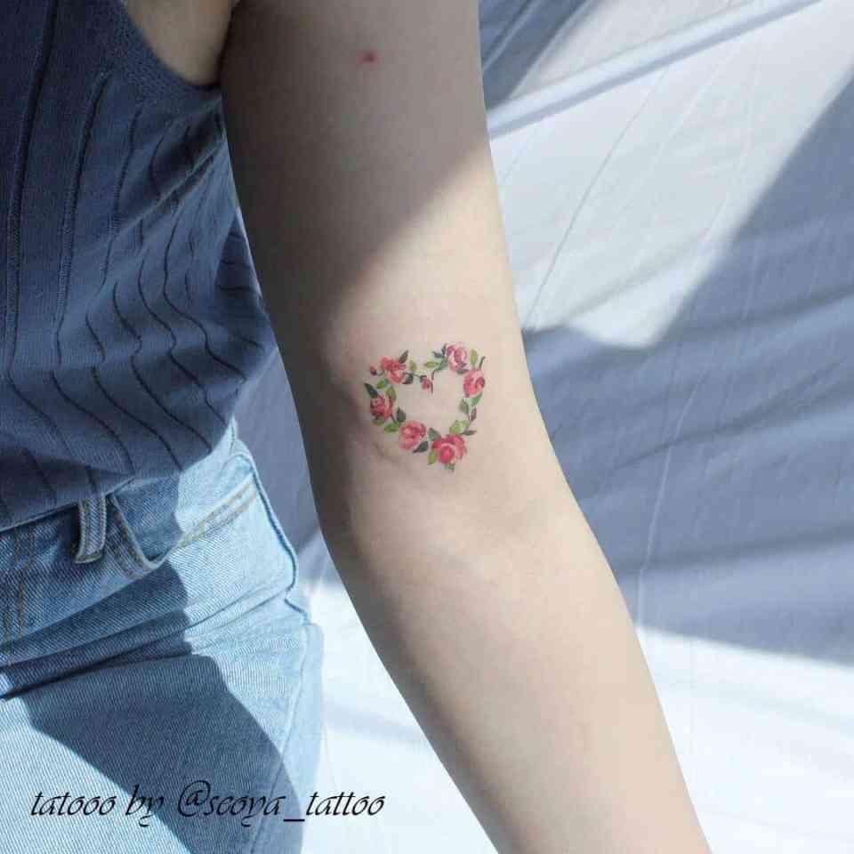 Il significato delle rose nei tatuaggi immagini idee e for Minimal significato