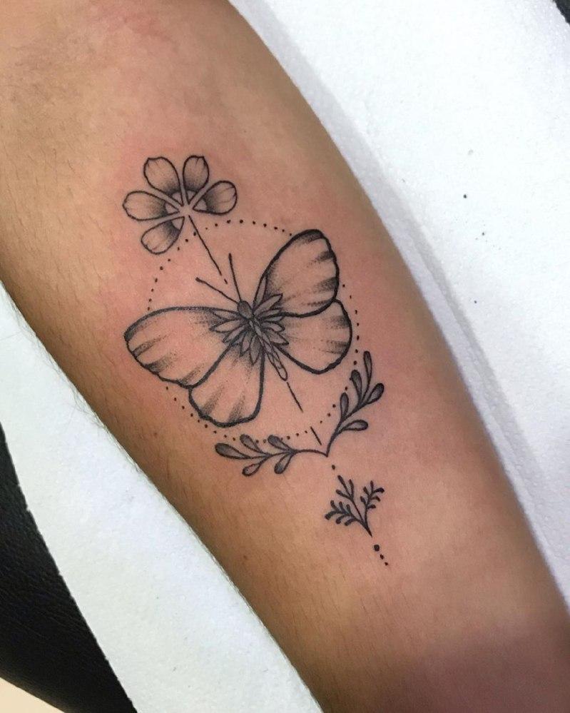 татуировки для девушек на руке надписи значение фото эскизы