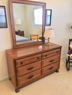 Solid wood dresser & mirror/excellent condition