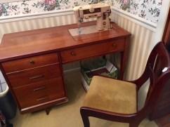 Singer/Sewing Desk