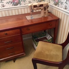 Singer/Sewing Desk