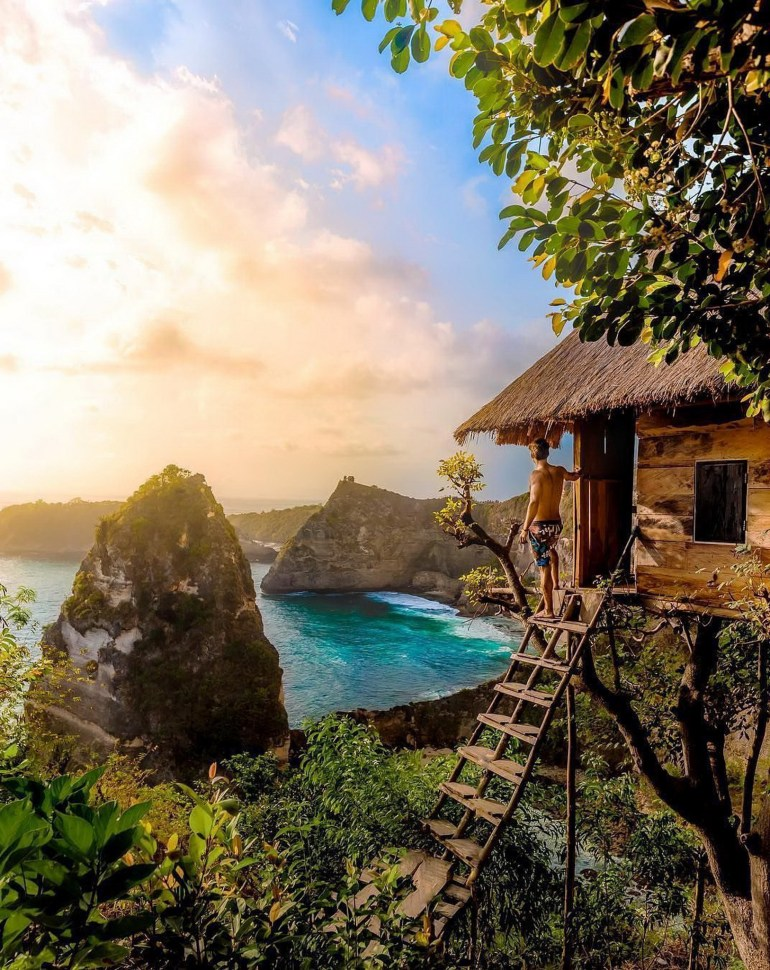 Thousand Islands Viewpoint Klungkung Indonesia - Beach, Coast, Coastal and oceanic landforms, Cove, Headland, Landscape, Natural landscape, Nature, Ocean, Outdoor structure, Promontory, Tropics