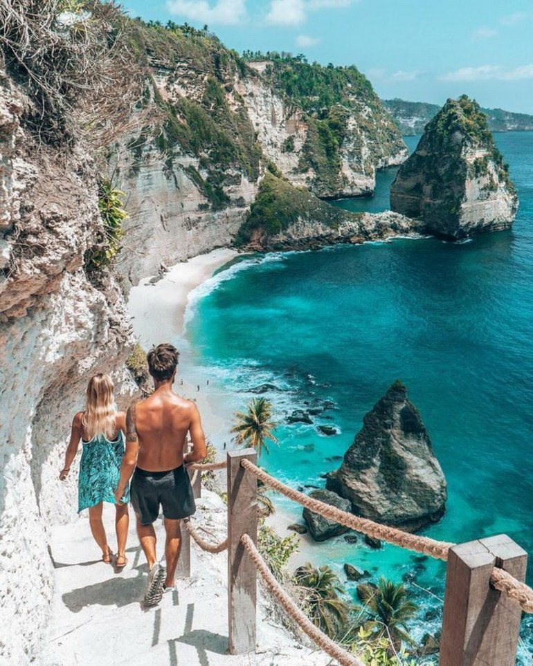 Atuh Beach Nusa Penida Indonesia - Bay, Body of water, Coast, Coastal and oceanic landforms, Leisure, Outdoor structure, Rock, Summer, Tourism, Vacation, Water