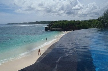 Nusa Lembongan, Klungkung Bali Indonesia - Body of water, Coast, Coastal and oceanic landforms, Ocean, Outdoor structure, Sand, Sea, Shore, Summer, Tourism, Water