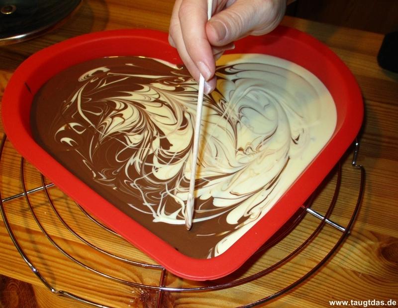 Schokolade marmorieren