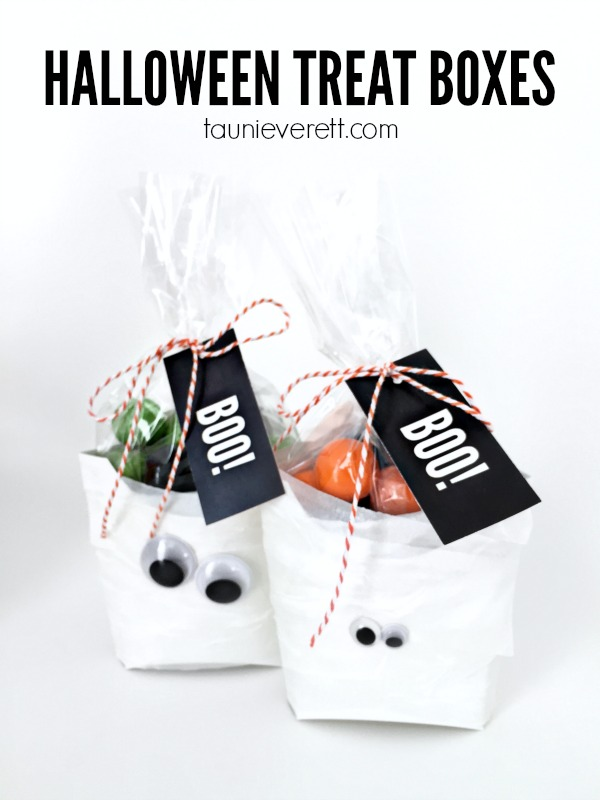 Cute Halloween Treat Boxes. Could be made up as a mummy or ghost. Pinning to save the link for the easy-to-follow instructions and the cute printable tag.