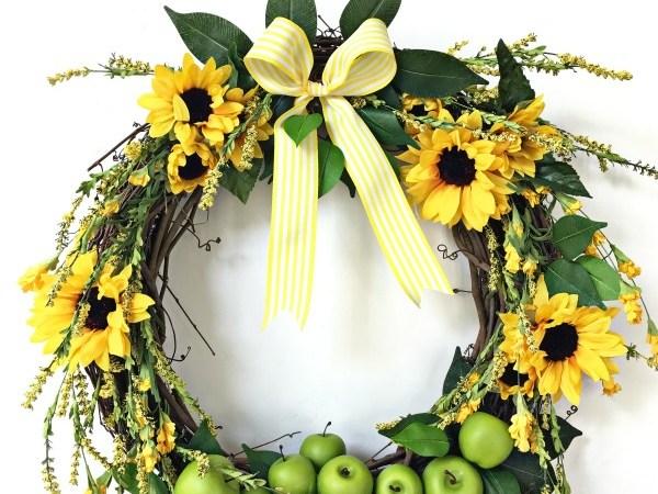 12 Seasonal DIY Grapevine Wreaths