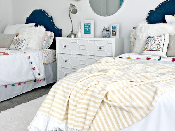 Guest Room with Twin Beds Reveal with DHP