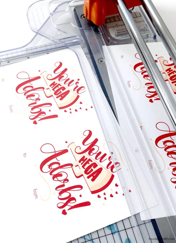 Mega adorbs cheerleader Valentine art print and cards. #valentines #valentine #valentinecards #valentinedecor #cheerleader