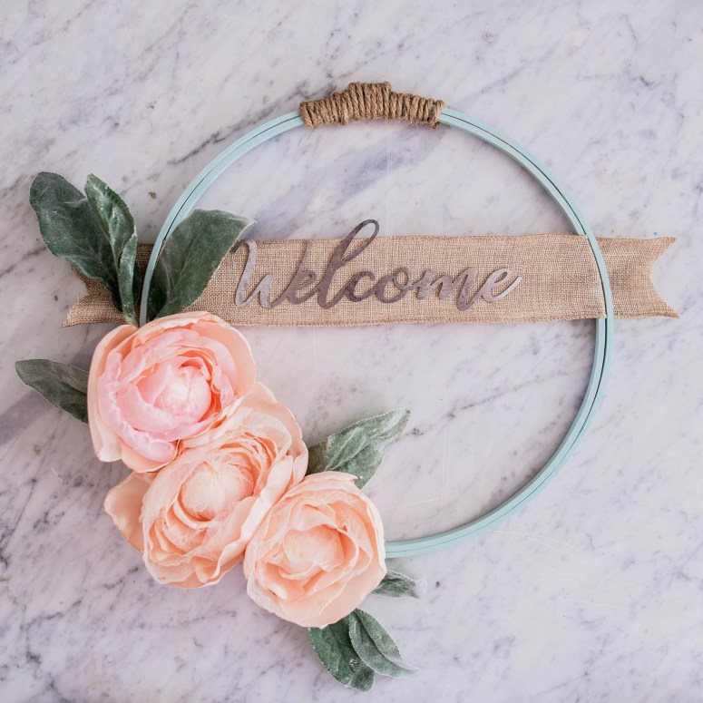 The diy mommy diy fabric flowers hoop wreath 1