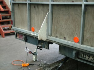 Hyraulic Door on horse trucksRepairs to Truck Decks and Doors.