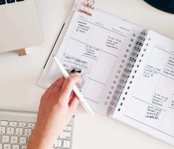 Plan in 1 dag copywriting schrijftips en oefeningenje social media content voor 1 maand - taverne's teksten