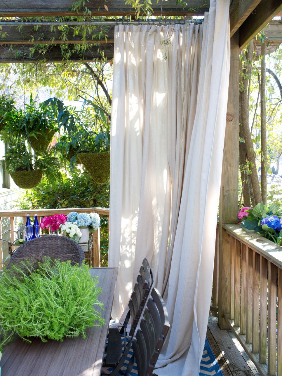 27 Awesome Diy Outdoor Privacy Screen Ideas With Picture for 11 Clever Initiatives of How to Craft Backyard Screen Ideas