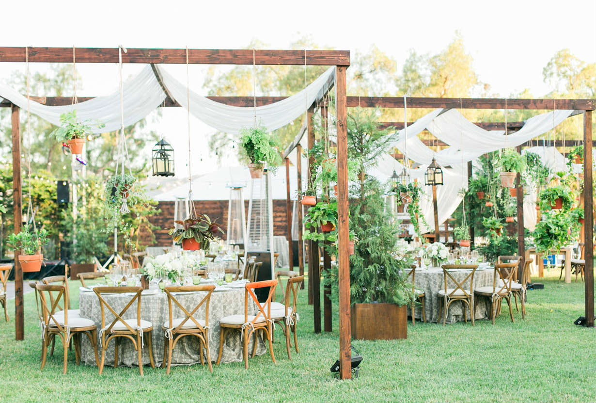 36 Inspiring Backyard Wedding Ideas Shutterfly within 11 Genius Ideas How to Build Ideas For A Backyard Wedding