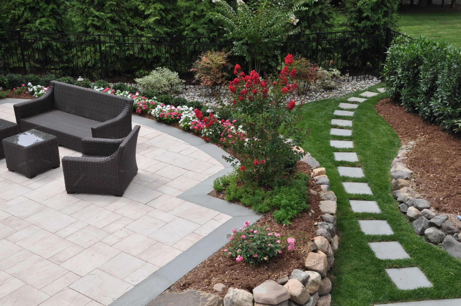 Small Backyard Landscape Design Ideas 15 Beautiful Small Backyard in 13 Awesome Initiatives of How to Craft Landscape Designs For Small Backyards