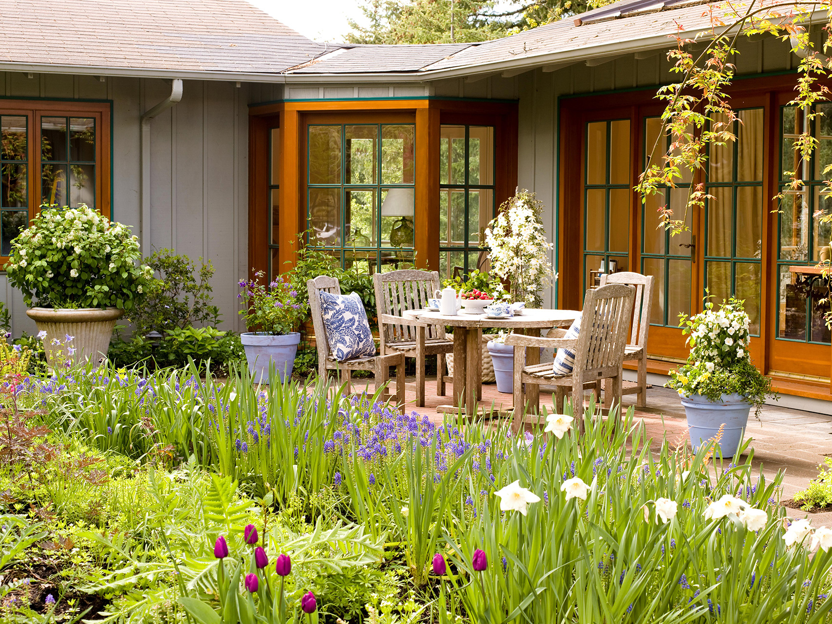 7 Landscaping Ideas For Beginners Better Homes Gardens regarding 13 Smart Tricks of How to Craft How To Design Backyard Landscaping