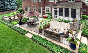 25 Amazingly Cozy Backyard Retreats Designed For Entertaining in Backyard Landscaping Ideas With Pavers