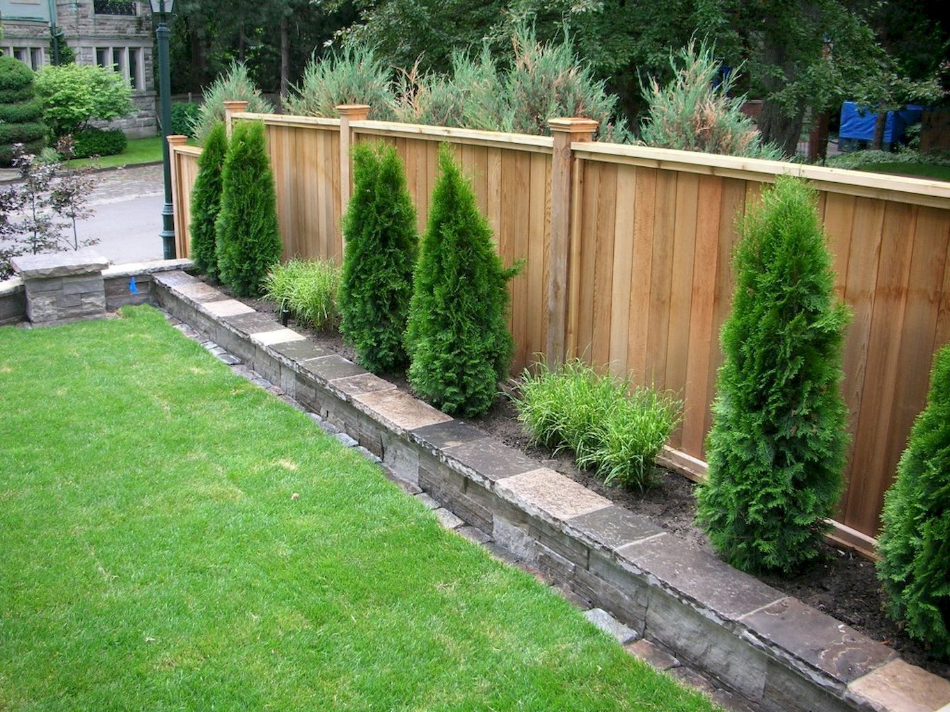 Outdoors Affordable Backyard Fence Ideas For Your Best Outdoor within 10 Some of the Coolest Initiatives of How to Makeover Cheap Backyard Fence Ideas
