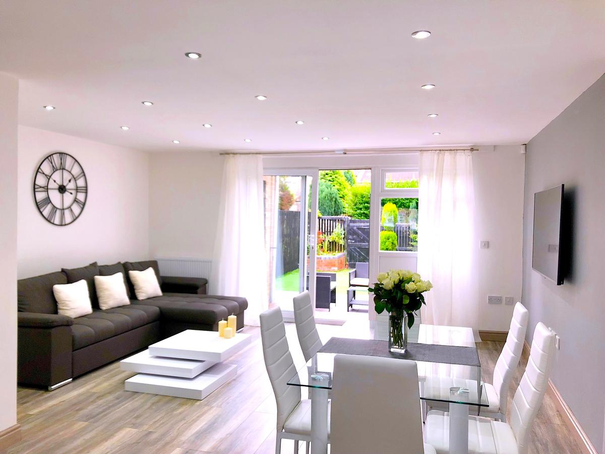Birmingham Modern Stylish 3 Bedroom House Birmingham Updated pertaining to 11 Genius Ideas How to Build Modern House Bedroom