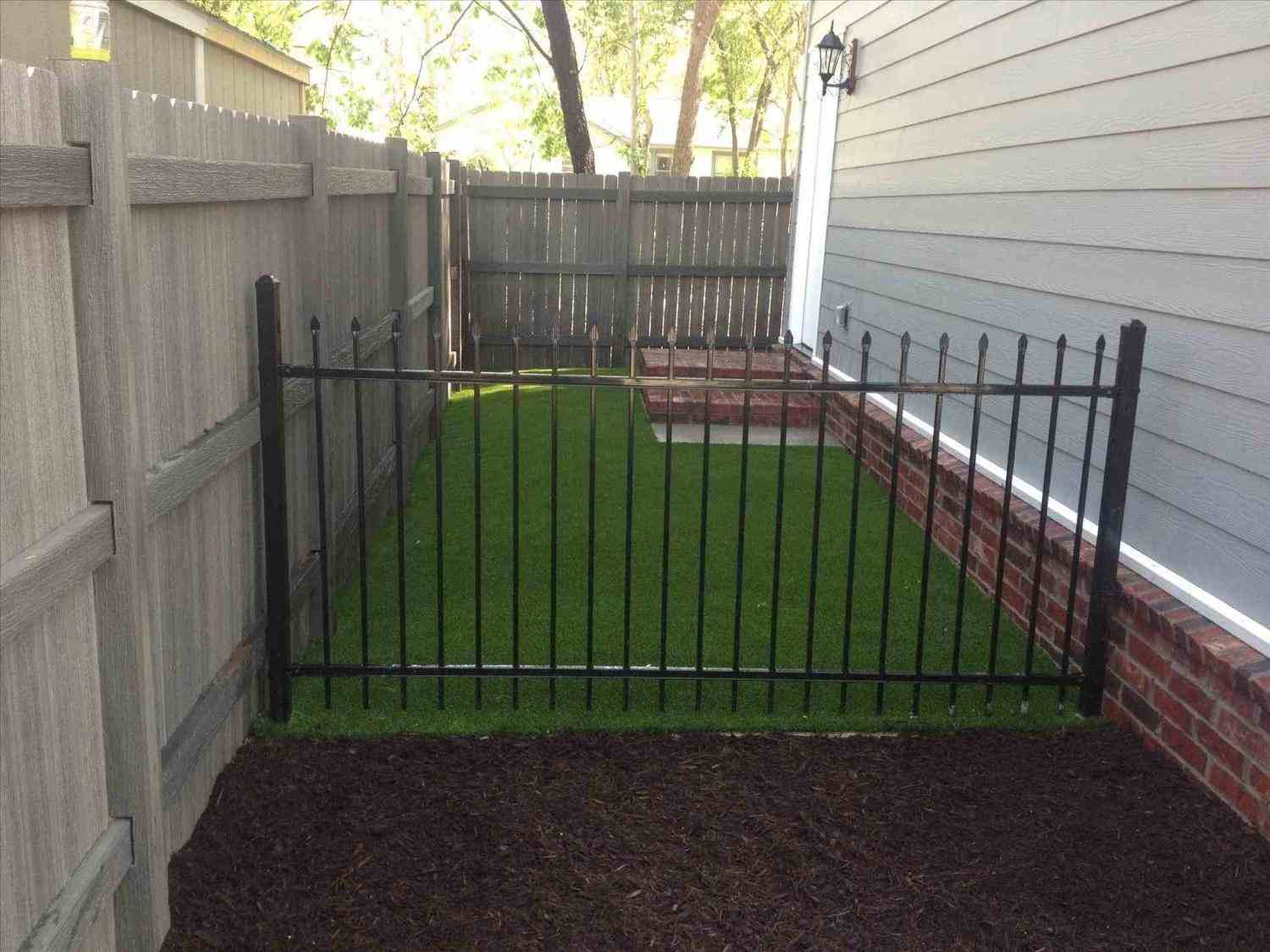 Backyard Dog Fence Ideas Front Yard Landscape Fence with regard to 10 Some of the Coolest Ways How to Make Backyard Dog Fence