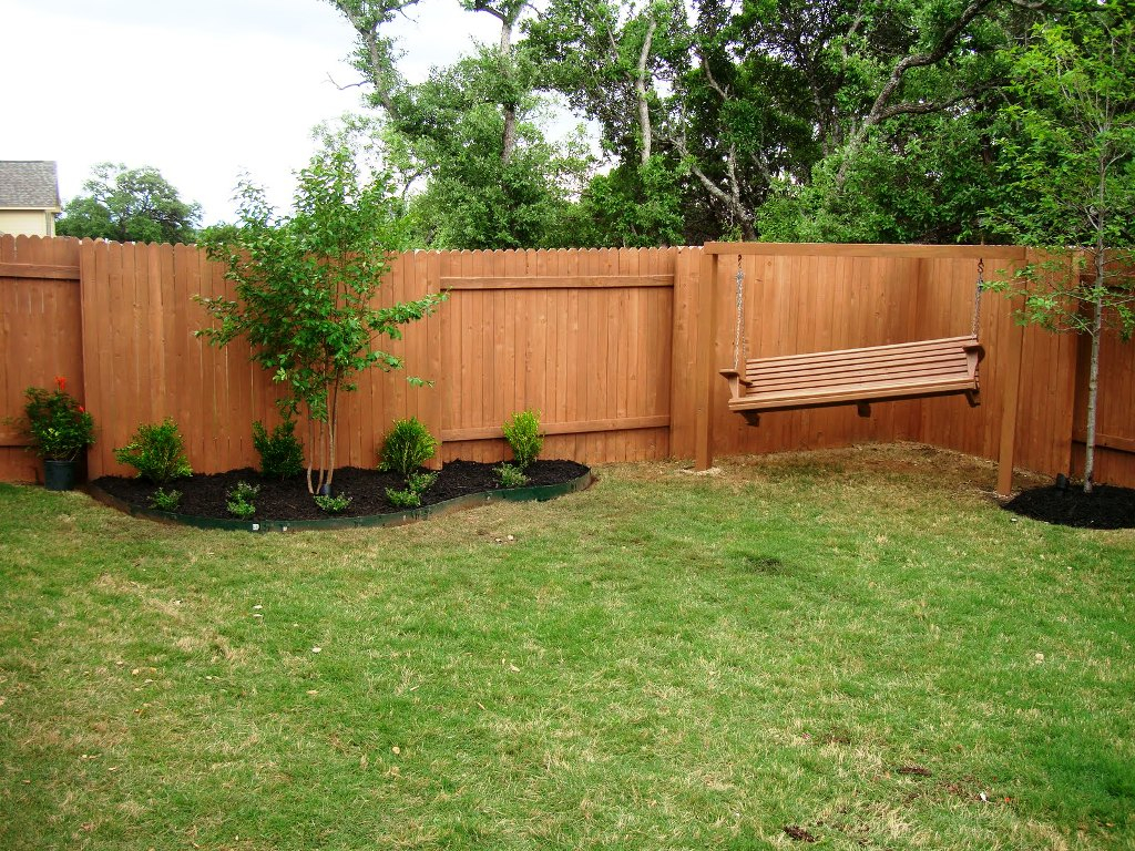 Backyard Fence Design Outdoor Decorations Easy Repair regarding Backyard Fence Repair