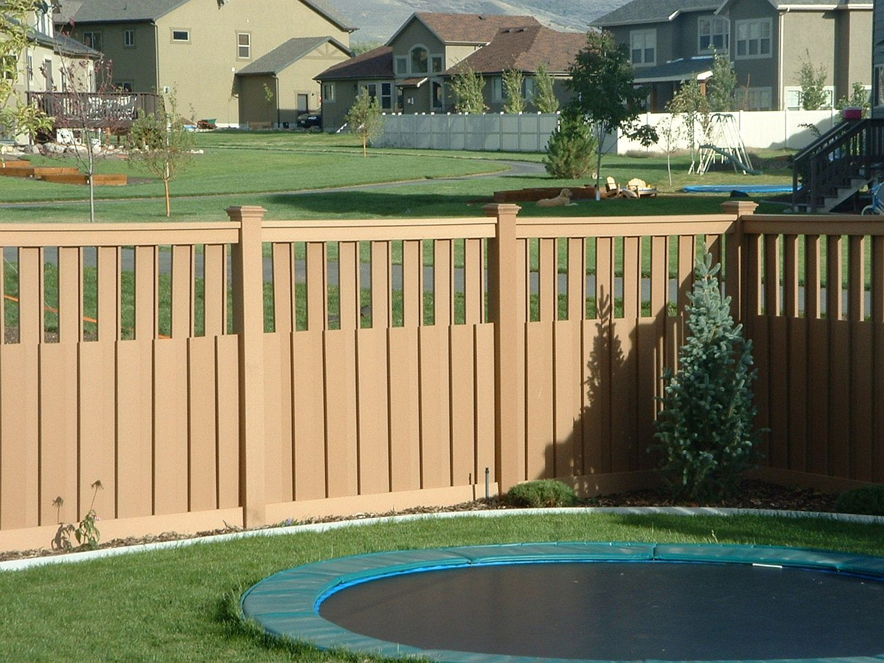 Ideas Backyard Fence Outdoor Decorations Easy Repair with 12 Awesome Concepts of How to Makeover Small Backyard Fence Ideas