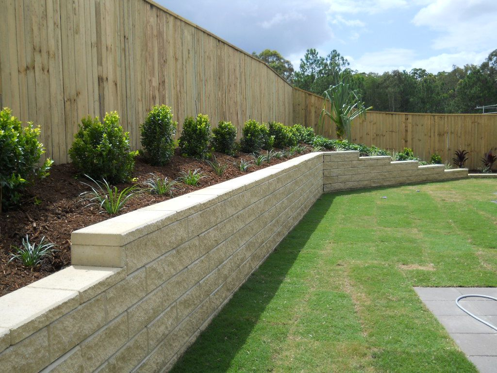 Inground Pool With Retaining Wall Gc Landscapers Pool in Backyard Retaining Wall Ideas