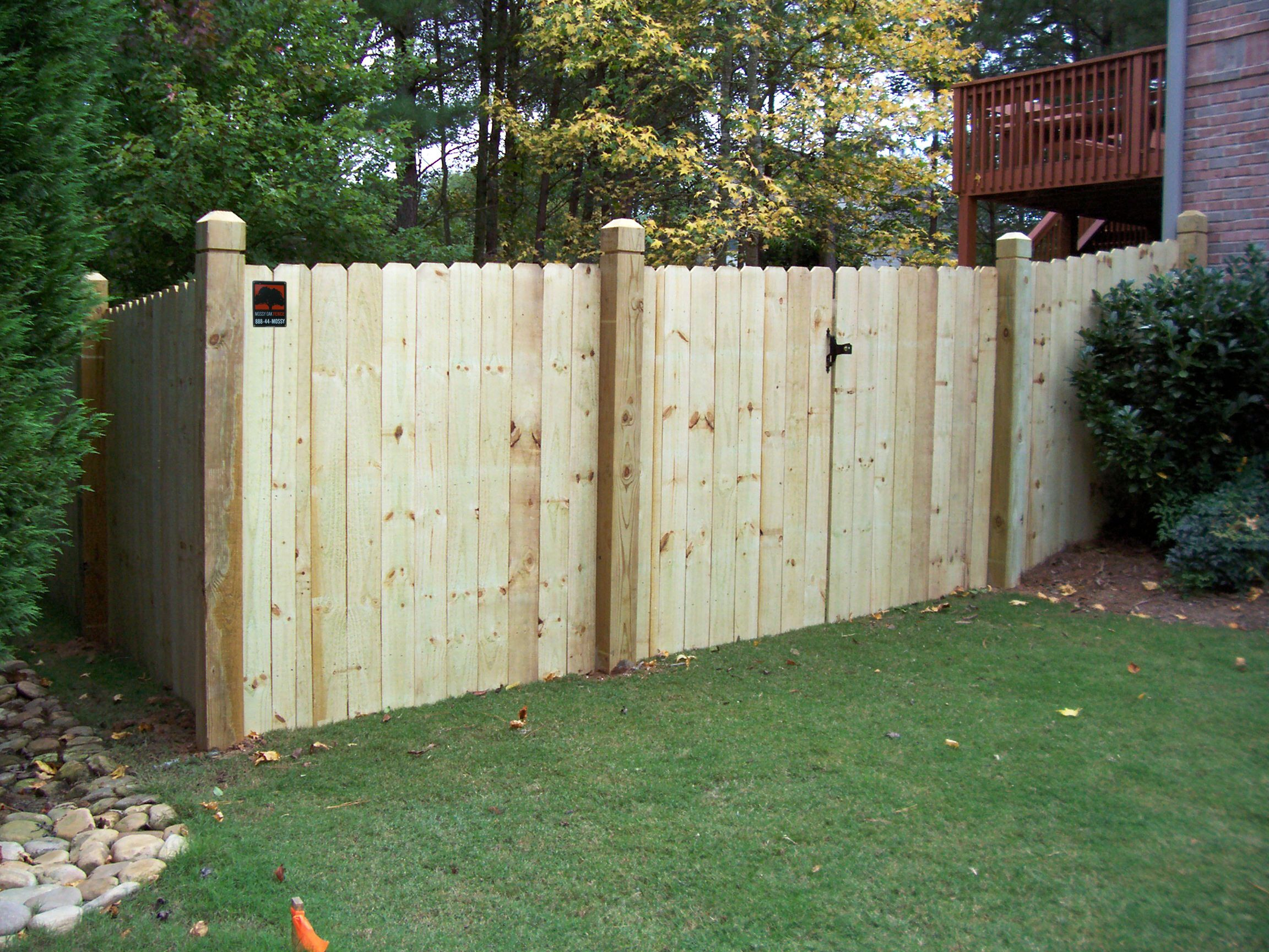 Mossy Oak Fence In 2019 Wood Fence Designs Wood Privacy Fence within 15 Clever Ways How to Makeover Backyard Fence Company