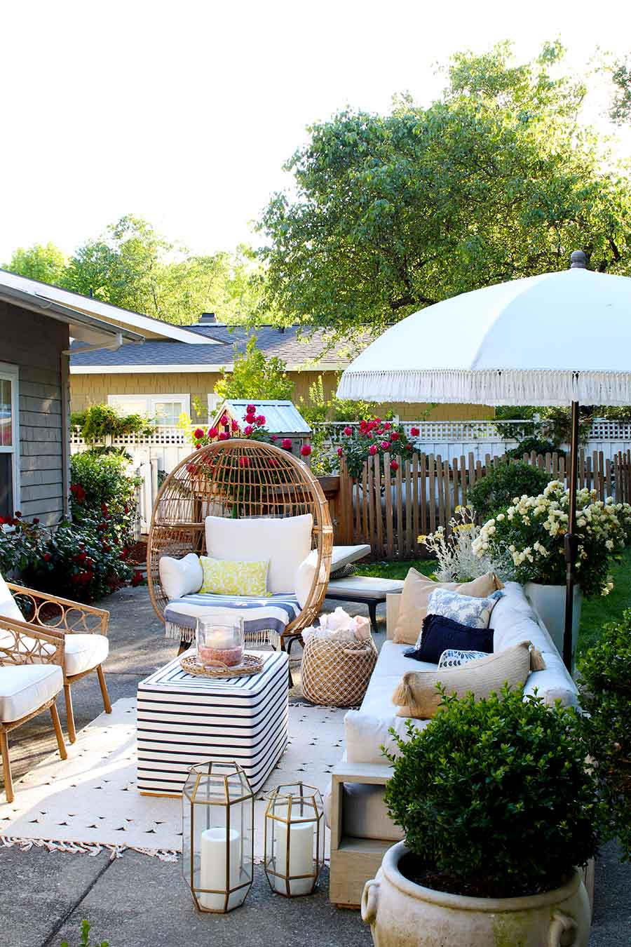 Summer Decorating Ideas For Outdoor Entertaining The Happy within Decorating Ideas For Backyard Party