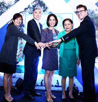 PROTECT WILDLIFE LAUNCHING. Biodiversity Management Bureau Director Mundita Lim, U.S. Ambassador to the Philippines Sung Y. Kim, Secretary of the Department of Environment and Natural Resources Gina Lopez, Senator Cynthia Villar, and Deputy Mission Director of the United States Agency for International Development Clay Epperson (from left to right) pose for a photo at the launch of Protect Wildlife, a new biodiversity conservation project to help protect and manage the Philippines' diverse habitats and species. (US Embassy photo)