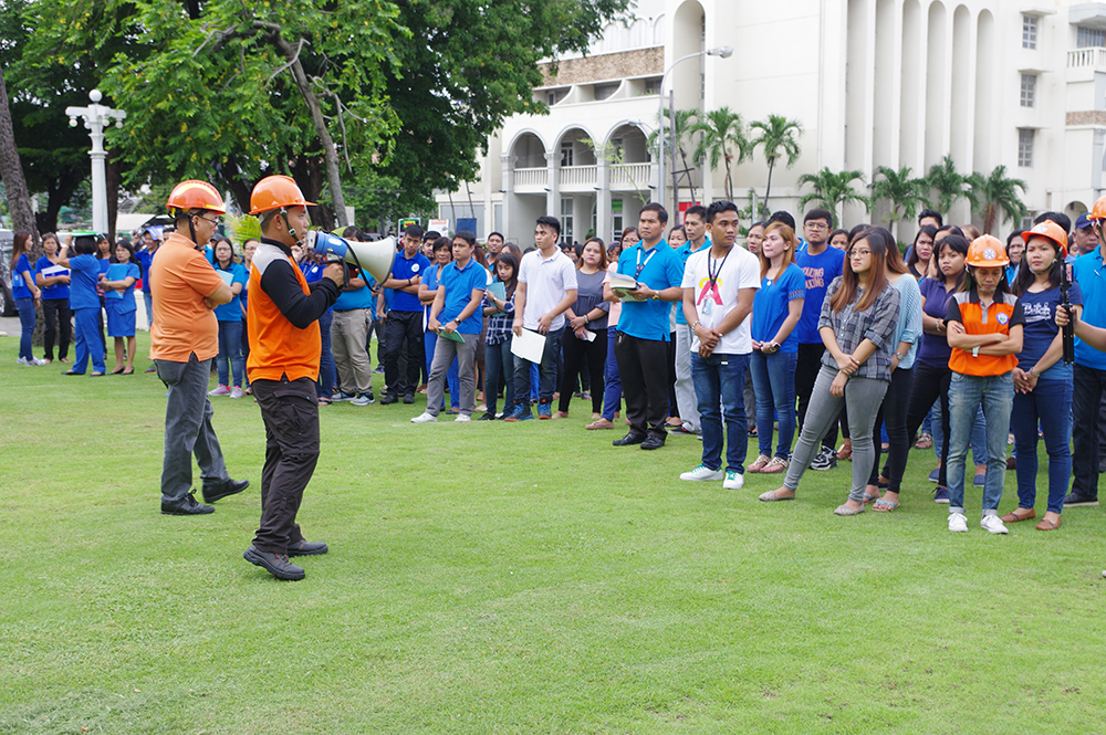 The Provincial Government of Ilocos Norte (PGIN) earlier today participated in the 3rd Quarter National Simultaneous Earthquake Drill (NSED) of the National Disaster Risk Reduction Management Council (NDRRMC). Photo by Fernando Mangapit, PGIN-CMO.